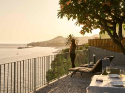 Top 3 AirBnb in Funchal - Stupendous house by the sea in old town